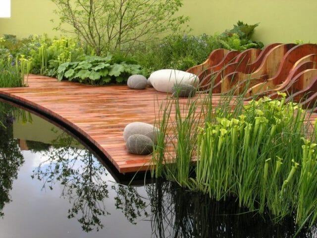 Альтернативный вариант: водный сад с деревянным покрытием