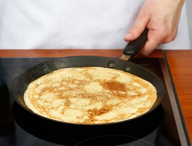Нежнейшие блинчики с начинкой из шпината и сыра рикотта
