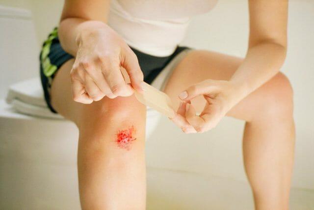 Глубокая рана ноги