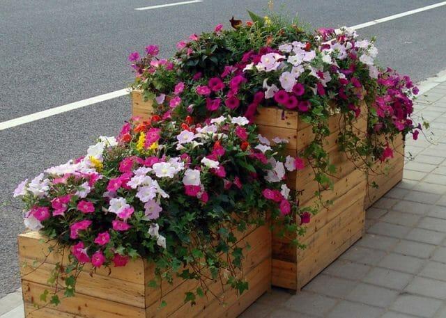 Цветочный контейнер