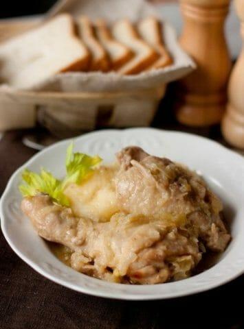 Курица в луковом соусе - всё предельно просто, и предельно вкусно