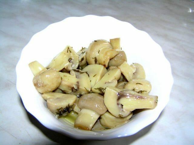 Маринованные грибы по-венесуэльски