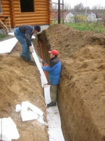 Как не заморозить водопровод на даче