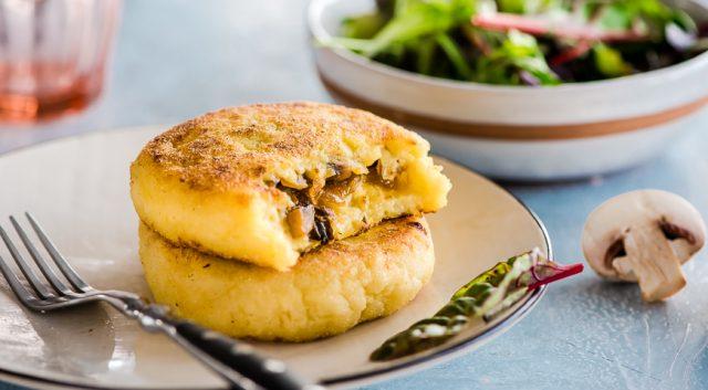 Картофельные зразы с грибами - сытный рецепт