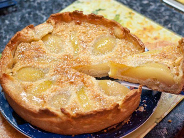Пирог с яблоками и грушами - рецепт сладкой выпечки